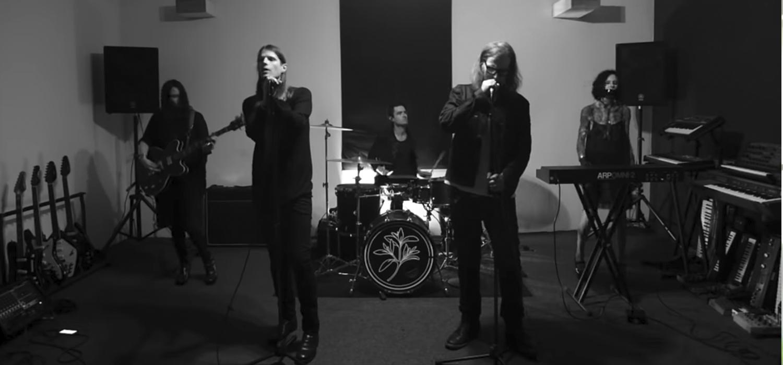 Isolation - Cold Cave y Mark Lanegan